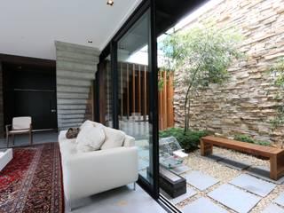 ZAAV Arquitetura Jardines de invierno de estilo minimalista