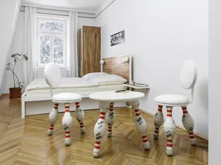 Hoteles de estilo ecléctico de gabarage upcycling design Ecléctico