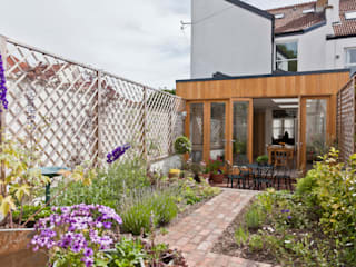 Musician's house in North Bristol:  Garden by Dittrich Hudson Vasetti Architects,