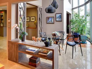 Salas / recibidores de estilo  por Paker Mimarlık