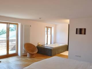 Haus1 Schlafzimmer nagel + braunagel Minimalistische Schlafzimmer