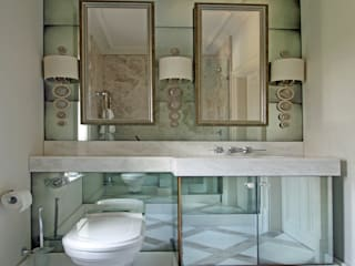 Bathrooms Baños de estilo moderno de Mirrorworks, The Antique Mirror Glass Company Moderno