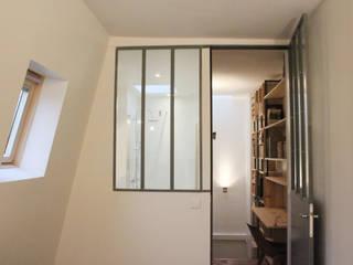 Suite parentale - chambre + verrière type atelier sur SDB: Chambre de style  par Yeme + Saunier