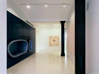 Pasillos y vestíbulos de estilo  por studioMDA, Minimalista
