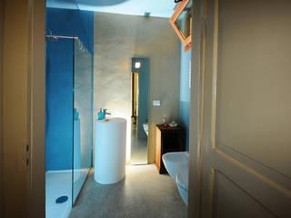 vista del bagno interno: Bagno in stile in stile Eclettico di silvia ancarani