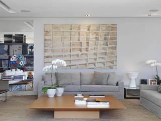Modern Living Room by Andréa Menezes & Franklin Iriarte Modern