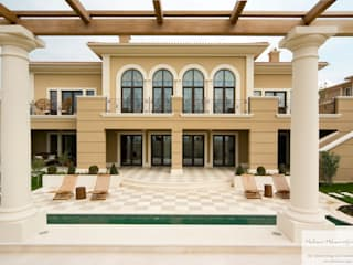 Casas de estilo clásico por Hakan Helvacıoğlu / H2C