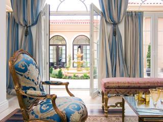 Livings de estilo clásico por Hakan Helvacıoğlu / H2C