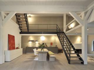Minimalist dining room by BUB architekten bda Minimalist