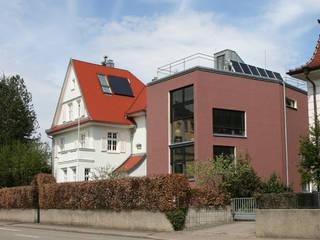 EFH in Konstanz: ausgefallene Wohnzimmer von Ensinger Architekt