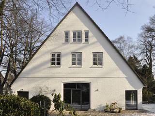 Minimalist house by BUB architekten bda Minimalist