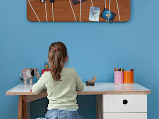 Kinderschreibtisch:   von DUELLI KLEE Dipl. Ing. Innenarchitektur Partnerschaft