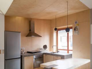 IPAHIM: Cucina in stile  di BLA! UFFICIO DI ARCHITETTURA