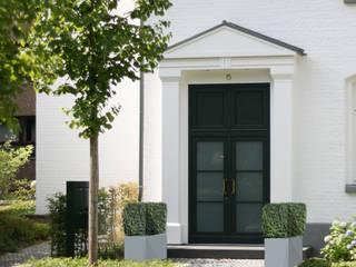 """Wohnanlage """"Alte Schule"""",  Eingang:  Garten von Grünplanungsbüro Jörg baumann"""