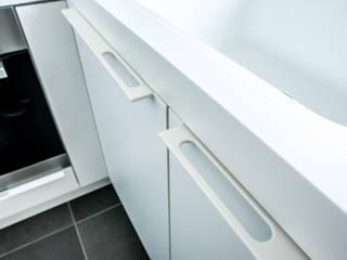 Modern kitchen by Alewaters & Zonen Modern