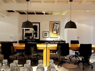 モダンな商業空間 の Carlos Otávio Arquitetura e Interiores モダン