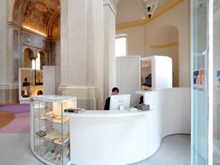 Casa del Suono di Parma: Musei in stile  di smellof.DESIGN,