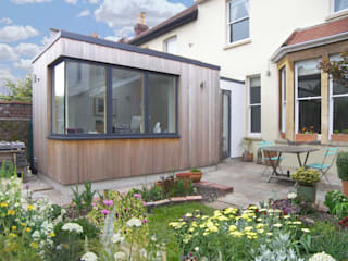 Garden room for a writer:  Study/office by Dittrich Hudson Vasetti Architects,