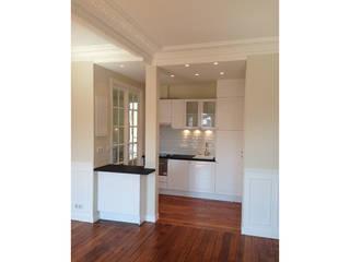 Appartement Montmartre Paris Cuisine moderne par BMAD-architecture Moderne