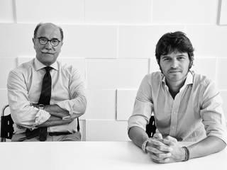 Ciao Ci presentiamo..... di Favaretto&Partners Minimalista