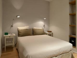 Ispirazione nordica: Camera da letto in stile  di ministudio architetti
