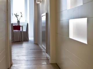 Pasillos, vestíbulos y escaleras de estilo minimalista de BARBARA BARATTOLO ARCHITETTI Minimalista