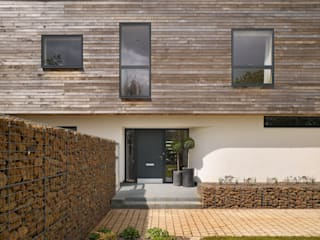 Houses by Platform 5 Architects LLP, Modern