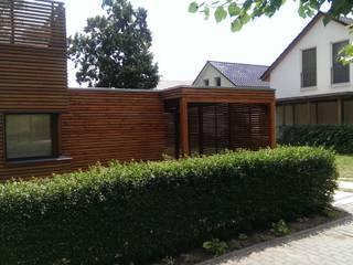 passend zum Haus: modern  von Märkischer Holzbau,Modern