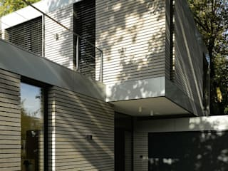 Modern Houses by scoopstudio Modern