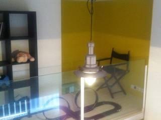 Dormitorios infantiles minimalistas de Sebastián Bayona Bayeltecnics Design Minimalista