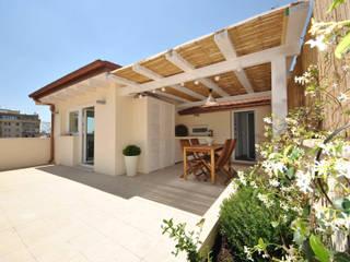 Formaementis minimalist style balcony, porch & terrace