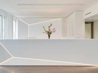 Edificios de oficinas de estilo minimalista de Baierl & Demmelhuber Innenausbau GmbH Minimalista