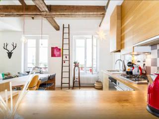Combles dans Paris Cuisine originale par Atelier Jérôme Lanici Éclectique