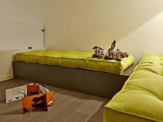 HOU16 : Camera da letto in stile  di mimoa