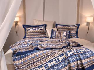 FEILER – winterliche Behaglichkeit mit BALTIC BLUE: skandinavische Schlafzimmer von FEILER