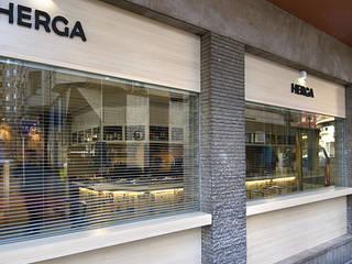 Bar Herga.. Gastronomía de estilo clásico de Estudio TYL Clásico