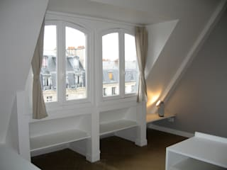 """3 """"chambres de bonne"""" transformées en studio meublé-luxe Salon moderne par Pogonos Moderne"""