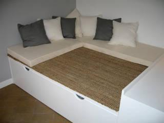 """3 """"chambres de bonne"""" transformées en studio meublé-luxe Pogonos Salon moderne"""