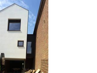Snake House - Court-Saint-Etienne, Belgium: Maisons de style  par jdArchitecture
