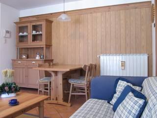 Boiserie : Cucina in stile in stile Classico di CS design studio