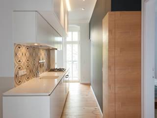 """Ein """"Kubus"""" schafft neue Räume Eyrich Hertweck Architekten Moderne Küchen"""