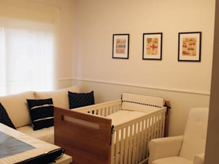 Nursery/kid's room by Lígia Bisconti, Modern
