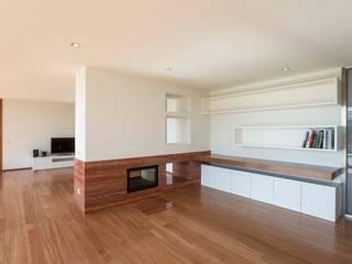 Atelier d'Arquitetura Lopes da Costa 现代客厅設計點子、靈感 & 圖片