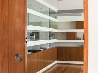 Atelier d'Arquitetura Lopes da Costa Modern windows & doors