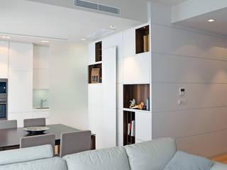 Salones minimalistas de Studio Sabatino Architetto Minimalista