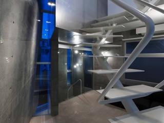 caverna オリジナルデザインの リビング の 筒井紀博空間工房/KIHAKU tsutsui TOPOS studio オリジナル