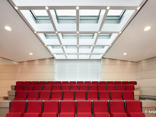 ITC Annex - Leiden Moderne mediakamers van Mirck Architecture Modern
