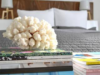 Projekty,  Sypialnia zaprojektowane przez Kristina Steinmetz Design, Skandynawski