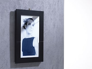 Picture Table (wall attached) as picture frame:   von IvyDesign