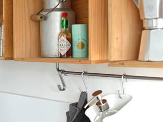 Projekty,  Kuchnia zaprojektowane przez Kristina Steinmetz Design, Rustykalny